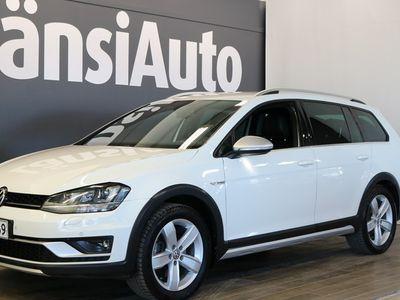 """käytetty VW Golf Alltrack Variant 1,8 TSI 132 kw (180 hv) 4MOTION DSG-automaatti Winter Edition """"Webasto, Vetokoukku, Navi"""" **** Min 1500e takuuhyvitys TAI LänsiAuto Safe 0e ****"""