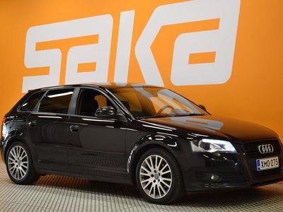 käytetty Audi A3 Sportback Ambition 1,4 TFSI 92 kW S tronic Start-Stop Black Edition ** 1-om Suomiauto / Ketju vaihde