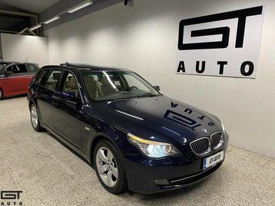 käytetty BMW 530 530XDA TOURING M-SPORT RATTI NAVI NAHAT PANORAMA TUTKAT ETEEN JA TAAKSE XENONIT SÄHKÖPENKIT