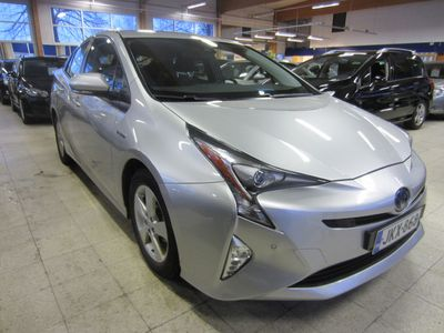 käytetty Toyota Prius 1.8 Hybrit Aktive Bi-LED