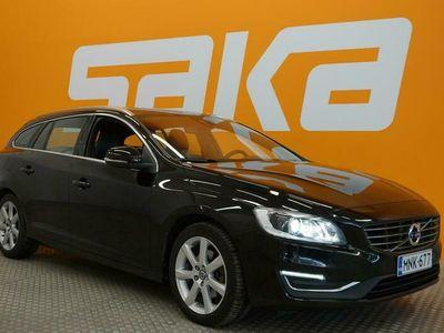 käytetty Volvo V60 D2 Business Classic Summum ** 1-om Suomi-auto / Digimittaristo / Navi / Nahkasisusta / Vetokoukku **