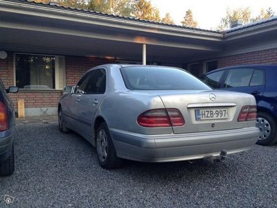used Mercedes E220 Bengzcdi