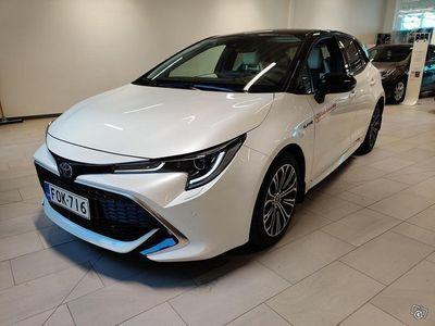 käytetty Toyota Corolla Hatchback 1,8 Hybrid Style Nordic Light **PLUS-paketilla. 2xrenkaat, lämmittimet **
