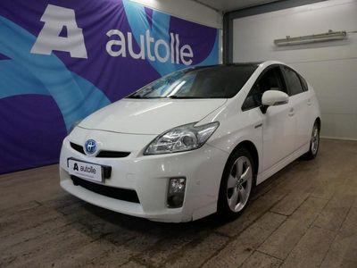 käytetty Toyota Prius *HYPRIDI* Premium HSD 5ov LE Rahoituksella! Kotiin toimitettuna!
