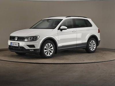 käytetty VW Tiguan Comfortline 2,0 TDI SCR 110 DSG- Vetokoukku, Webasto, Nahat-