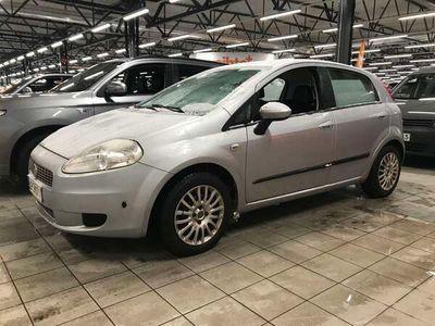käytetty Fiat Grande Punto 1,4 77 Dynamic 5D ** JUURI TULLUT / Suomi-auto / Lohkolämmitin / Ilmastointi / AUX **