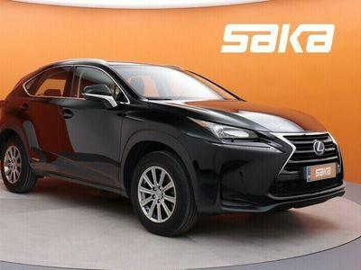 käytetty Lexus NX300h Hybrid A AWD Comfort ** Merkkihuollettu / P-Kamera / Nahkasisusta / Alv. **