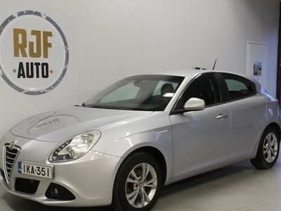 käytetty Alfa Romeo Giulietta 2,0 JTDm 170hv Speciale NÄYTTÄVÄ!!!