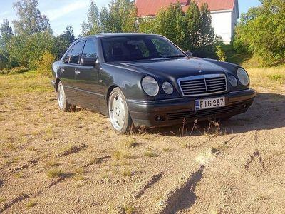 käytetty Mercedes E320 M104