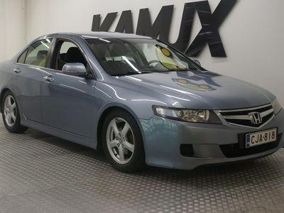 käytetty Honda Accord 2,0i Sport AT / Lohko / Hyvin huollettu / 2 x renkaat /
