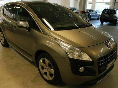 käytetty Peugeot 3008 Sport 120 VTi / Panorama / Vetokoukku