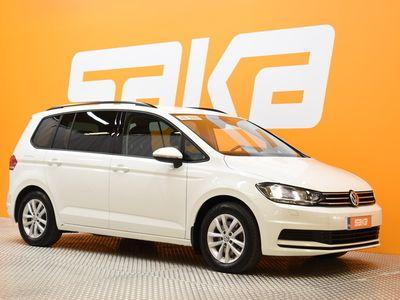 käytetty VW Touran Highline 1,4 TSI 110 kW (150 hv) DSG-automaatti 7-paikkainen ** Webasto / Vetokoukku / P-kamera / AC