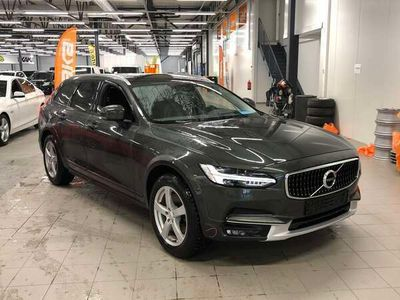 käytetty Volvo V90 CC D4 AWD Plus aut ** Webasto / Navi / Adapt. Vakkari / Digimittaristo / harman/kardon / LED / ALV / VOC / Koukku **