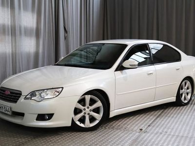 käytetty Subaru Legacy 2,0R sedan AWD FQ, NÄYTTÄVÄ JA SIISTIKUNTOINEN!