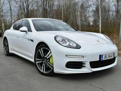 käytetty Porsche Panamera S E-Hybrid e- ** 360° Kamera / Bose / PASM / Navi / Vakkari / Nahkasisusta **