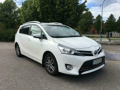 käytetty Toyota Verso 1,6 D-4D Active Edition 7p *2 om. / Suomi-auto / Webasto / Navi / Vetokoukku / Peruutuskamera* *** J