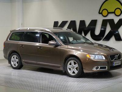 käytetty Volvo V70 D3 Summum #Suomi-Auto #Näyttävä viininpunainen nahkaverhoilu #Vetokoukku #Rahoitus alkaen 0 euroa!!