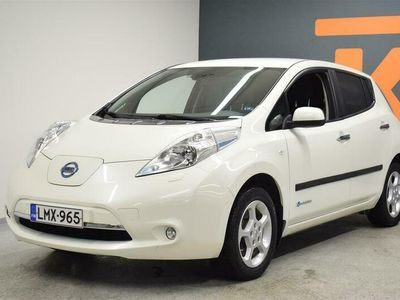 käytetty Nissan Leaf Acenta 30 kWh 6,6 kW charger