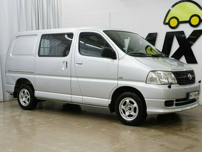 käytetty Toyota HiAce 2,5 D-4D 117 4ov SIS