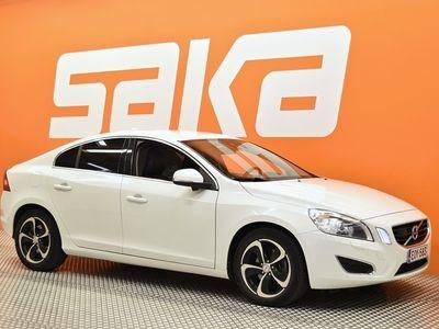 käytetty Volvo S60 D3 Summum aut ** Suomi-Auto / Webasto / ACC / Driver support / Koukku / Nahat / Muistipenkki **