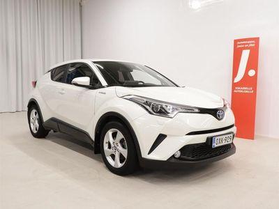 käytetty Toyota C-HR 1,8 Hybrid Active *TEHDASTAKUU, MERKKIHUOLLETTU, SUOMI-AUTO*
