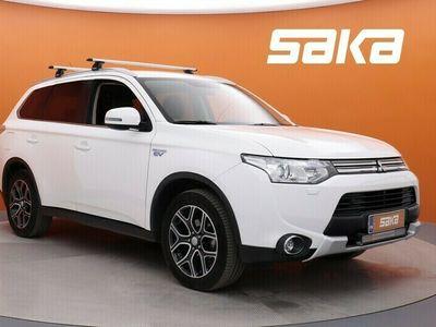 käytetty Mitsubishi Outlander P-HEV Instyle Navi 4WD 5P ** Plug In / Navi / Xenon / KeylessGo / Peruutuskamera / AppConnect **