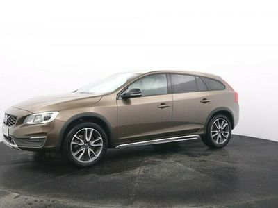 käytetty Volvo V60 CC D4 AWD Classic aut | - rahoitustarjous 2,9 % korko + kulut | Hightech, webasto, VOC, koukku