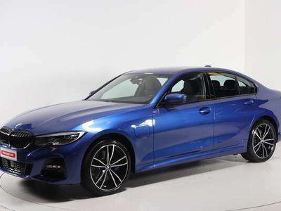 käytetty BMW 330e 3-sarja 3-sarja G20 SedanxDrive A Charged Edition M Sport - Tähän autoon 200€ arvoinen Nesteen polttoainelahjakortti kaupan päälle!
