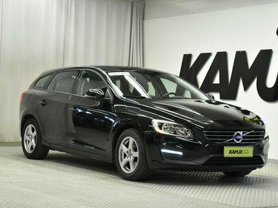 käytetty Volvo V60 D3 Business Edition Aut // Navigointi / Lämmitettävä tuulilasi / Cruise //