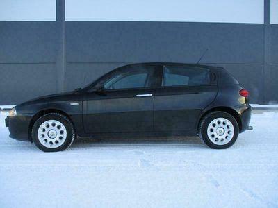 käytetty Alfa Romeo 147 2.0 T.S 5d 150HV BRUTAALIA VOIMAA, *TODELLA SIISTI ALFA JOPA ILMAN KÄSIRAHAA*