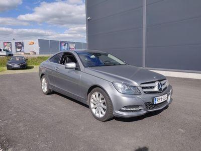 käytetty Mercedes C180 BE Coupé A Premium Business 1,6 ** Löytö! / Suomi-auto / ILS-Xenon / IHC / Puolinahat / BT **