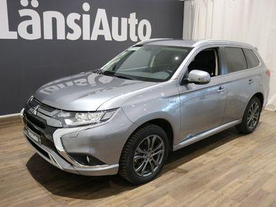 käytetty Mitsubishi Outlander P-HEV **Peruutuskamera-Neliveto-Plug-in-hybridi** 4WD **** Min 1500e takuuhyvitys TAI LänsiAuto Safe 0e ****