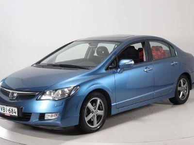 käytetty Honda Civic 1,8i Executive 4D Autom. - Automaatti - kattoluukku - Seuraava katsastus: 13.05.2021