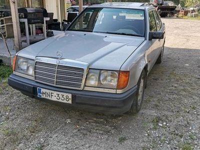 käytetty Mercedes E300 D