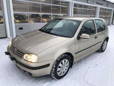 käytetty VW Golf 1,6 77 kW Trendline 3d