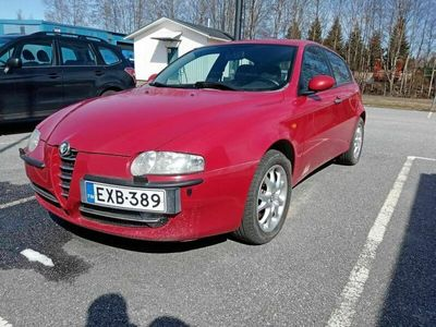 käytetty Alfa Romeo 147 2,0 150hv Distinctive 3d - Myydään kunnostettavaksi.