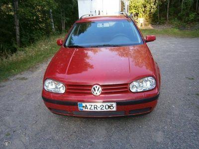 käytetty VW Golf 1.6 farmari varaosiksi tai kunnostukseen