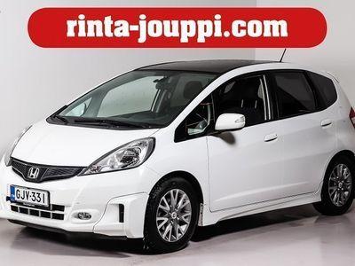 käytetty Honda Jazz 5D 1,4i Elegance Business - Huippuvarusteilla lasikatto ja kori sarja.Seuraava katsastus: 13.06.2020