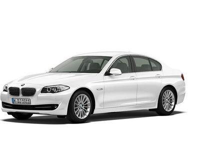 käytetty BMW 520 d Twin-Power Turbo AUT F10 **64 000km** INTEGRAL ACTIVE STEERING*SPORT-IST* MERKKIHUOLLETTU*1-om.*KU