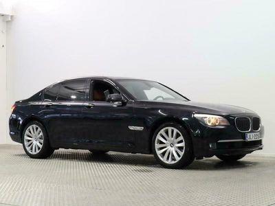 käytetty BMW 730 A F01 Sedan / KORKOKAMPANJA 0.49%!! / Individual sisusta / Panorama / Adaptiivinen cruise / HUD / Muistipenkit
