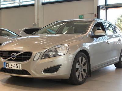 käytetty Volvo V60 D5 AWD MOMENTUM AUT + DRIVER SUPPORT