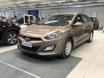 käytetty Hyundai i30 Wagon 1,6 GDI 6AT Comfort **Korkotarjous alk. 1,9%+kulut Huoltorahalla ja väh. 1500? hyvitys autostasi!**