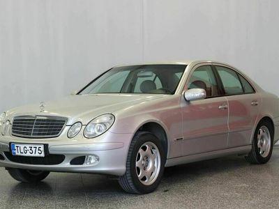 käytetty Mercedes E200 Kompressor Elegance 4d * Vetokoukku* Automaattinen ilmastointi* Cruise* Sähköpenkit*