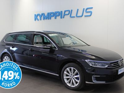 käytetty VW Passat Variant GTE Plug-In Hybrid 160 kW (218 hv) DSG-automaatti - ** RAHOITUSKORKO 1,49% ** - Koukku / Webasto / Kamera / LED / ACC