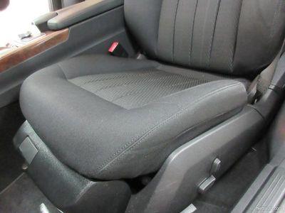 käytetty Mercedes E200 Cdi A Elegance 7G-Tronic KÄSIRAHA 0% Takuu1v./20tkm! ILS-Valot,Parkkitutka, Aut.ilmastointi, C