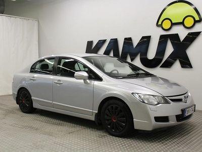 käytetty Honda Civic 1,8i Comfort / JUURI KATSASTETTU / KOUKKU / ILMASTOINTI / SUOMI-AUTO