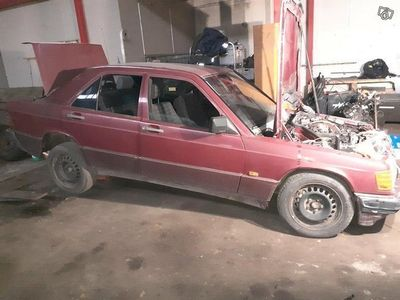 käytetty Mercedes 190 2.0e -89