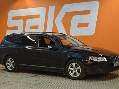 käytetty Volvo V70 V70Farmari ** Vakkari / Lohkolämmitin ja sisäp. / Aut. Ilmastointi **