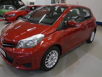 käytetty Toyota Yaris 1,33 Dual VVT-i Linea Sol 5ov - Tästä pukinkontiin herkkupala! *Navigointi, Kamera, Bluetooth!