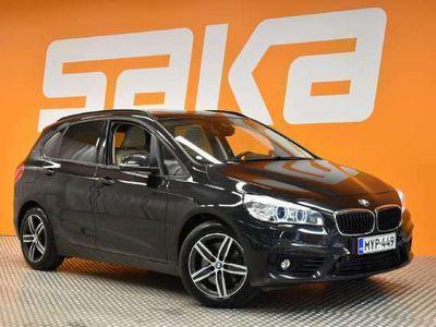 käytetty BMW 225 Active Tourer F45 225xe A Business Sport ** Panorama / ACC / Hifi-äänentoisto / HUD / Vaalea nahkasi